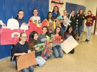 OHS Key Club Transforms Hallways for 2017 Holiday Surprise