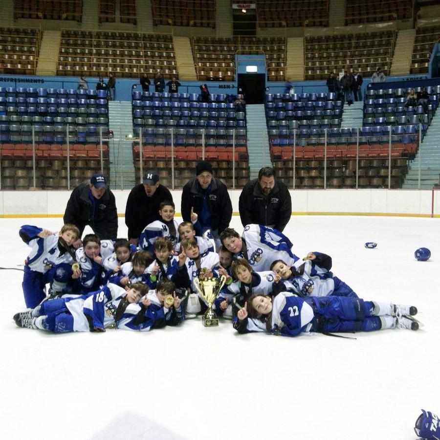 I Heart Oswego The Oswego Squirts Win Hershey Pa Classic Hockey